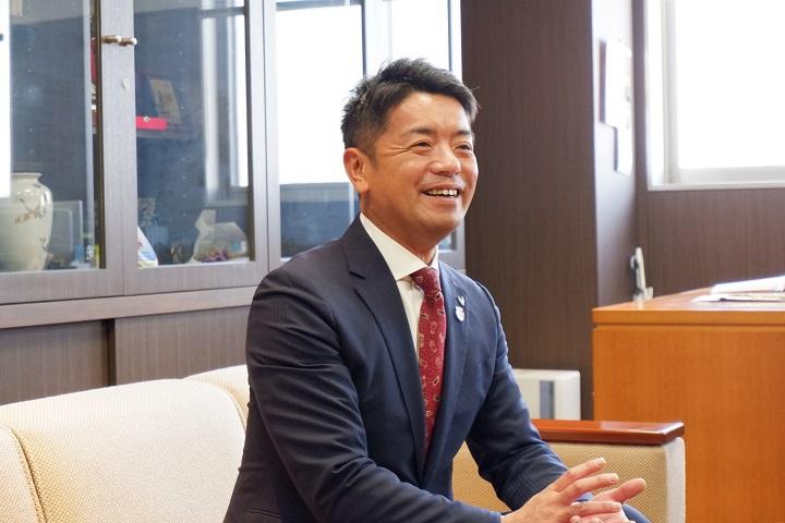 香川県東かがわ市 上村 一郎 市長